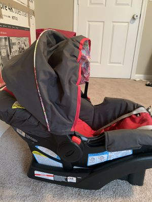 Infant and toddler car seat for sale for Sale in Birmingham, AL