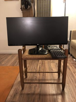 LG 27 inch Wide Computer Monitor w/ ASUS keyboard for Sale in San Diego, CA