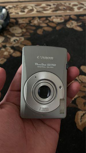 Canon Powershot Sd750 Digital Elph 7.1mp Digital Camera for Sale in Lemoore, CA