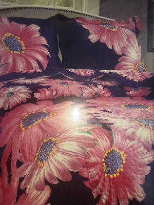 Queen reversible print bedspread for Sale in Bakersfield, CA