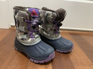 Kids 3t-4t snow boots for Sale in Mill Creek, WA