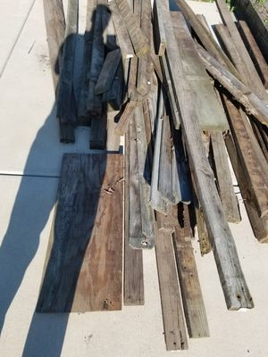 Free 2x4's, fence wood and fence posts!!! Plus I'll give you 10 dollars to take all for Sale in Warrenville, IL