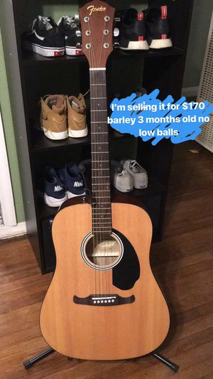 Fender acoustic guitar for Sale in Claremont, CA