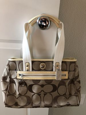 Authentic Coach purse for Sale in Brentwood, CA