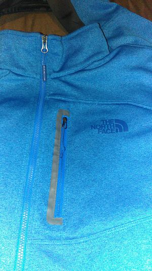 BLUE OVER THROW NORTH FACE SWEATSHIRT SIZE L , BLUE GREY HALF ZIPPED AS IS 50$$ FIRST COME FIRST SERVE for Sale for sale  Bronx, NY