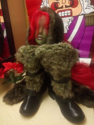 Faux Fur Trimmed Black Boots, Sz 8.5, Like New for Sale in Milwaukee, WI