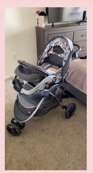 baby trend travel system - stroller, car seat, and base for Sale in Fort Wayne, IN