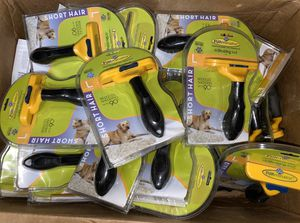 FURminator Deshedding Tool - Large - Short Hair / NEW / Shipping Available for Sale in Cedar Hill, TX