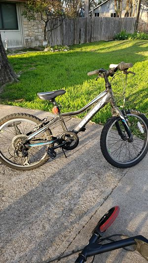 GIANT revel kids 20in bike for Sale in Austin, TX