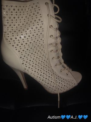 C Label cream or beige women high heel shoes size 8 1/2 for Sale, used for sale  Lauderhill, FL