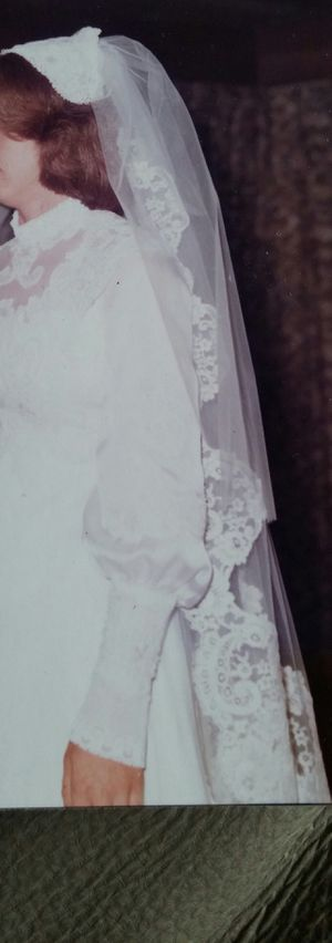 Vintage Mantilla Bridal Veil W/Camelot Cap for Sale in Darnestown, MD