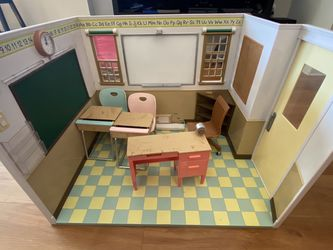 Our generation / American Girl Doll School Set .FREE for Sale in San Jose,  CA