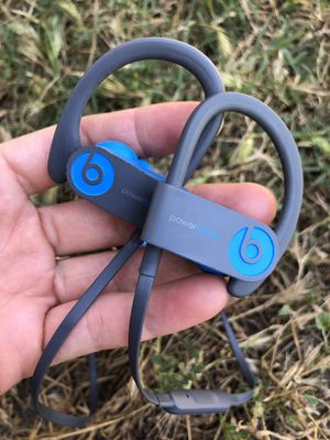 Powerbeats 3 wireless Bluetooth in ear headphones 💯 original beats used in very good condition for Sale in Rosemead, CA