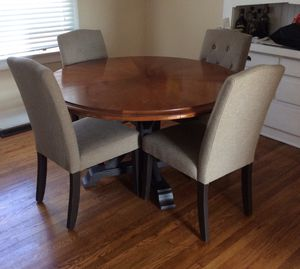 Dining table (no chairs) for Sale in San Diego, CA