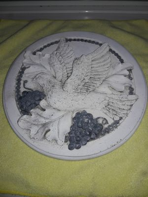 Clay circular Dove white with grapes very nice weighs about a pound for Sale in Sacramento, CA