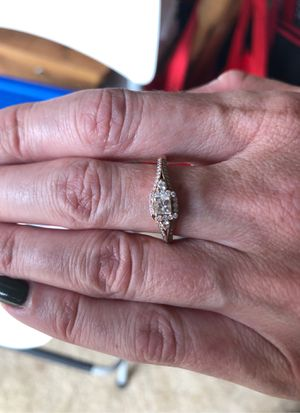 14K Gold Canadian Ice Diamond Ring Sz 8 for Sale in Aloha, OR