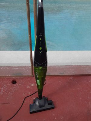 CIRRUS VACUUM CLEANER for Sale in Ives Estates, FL