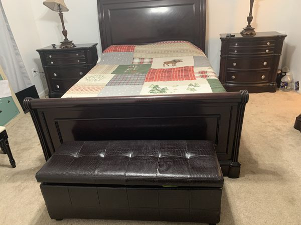 Full 16 foot POD full of furniture in mint condition give offers AS IS