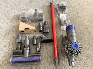 Dyson v6 absolute for Sale in Daly City, CA