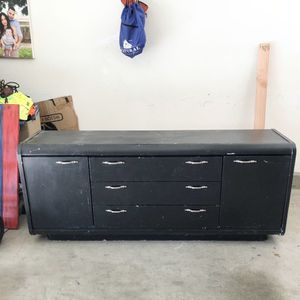 Free Black dresser for Sale in Sylmar, CA