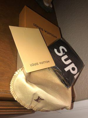 Supreme LV wallet for Sale in Menifee, CA