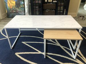 Coffee table with side table for Sale in Fort Wayne, IN