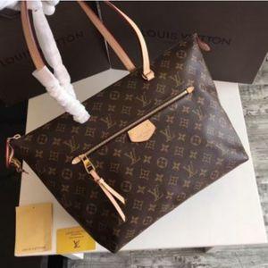 $190 Louis Vuitton MM Handbag for Sale in Chicago, IL