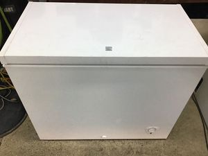 Kenmore Chest Freezer 7 cubic foot for Sale in Las Vegas, NV