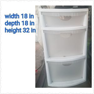 Sterilite heavy duty plastic drawers for Sale in Artesia, CA