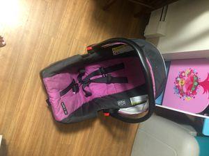 Graco snugride 30 car seat for Sale in Mansfield, MA