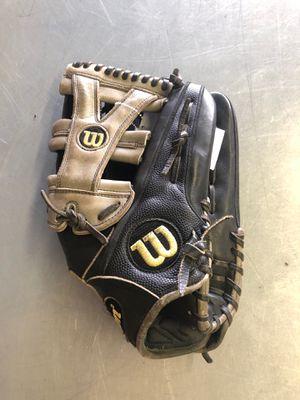 """Wilson A2000 baseball glove 12 3/4"""" for Sale in Renton, WA"""