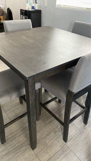 Kitchen table set for Sale in San Fernando, CA