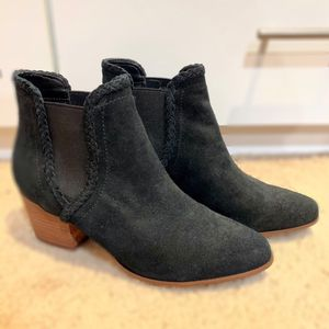 Aldo suede ankle boots for Sale in Hicksville, NY