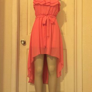 *Ruffled Coral Chiffon High-Low Dress •S or L for Sale in Carrollton, TX