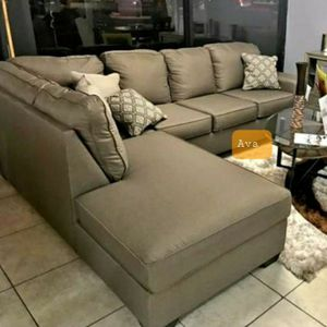 Calicho Cashmere Sectional RAF LAF available $39 DOWN Payment Only for Sale in Hanover, MD