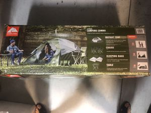 4 Person Tent, 2 chairs, 2 sleeping bags, table and carrying bag for Sale in Brandon, FL
