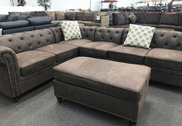 SECTIONAL AND OTTOMAN ONLY 39$DOWN
