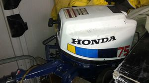 """☆Honda Outboard 7.5 Twin Motor 25"""" Shaft for Sale in Puyallup, WA"""