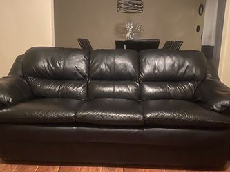 Black Couch for Sale in Hutto,  TX