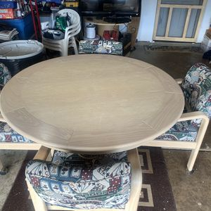 Poker Table W/ 4 Matching Chairs for Sale in Irmo, SC