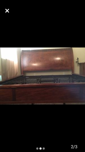 King size bed frame for Sale in Visalia, CA