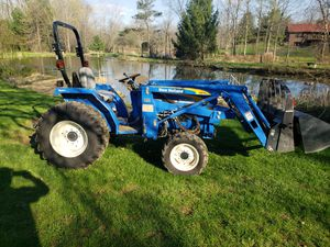 2014 New Holland 110TL tractor for Sale in Sunbury, OH