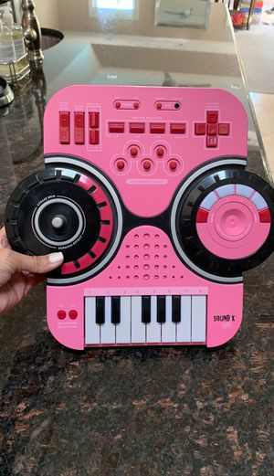 Sound X keyboard for Sale in Brookfield, IL