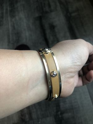 Henri Bendel Hinged Bangle With Gold Tone and Tan Enamel for Sale in Hawthorne, CA
