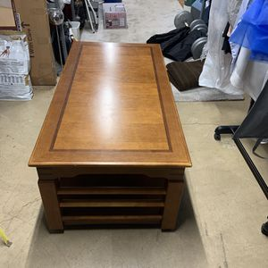 Adjustable Wooden Coffee Table for Sale in Algonquin, IL