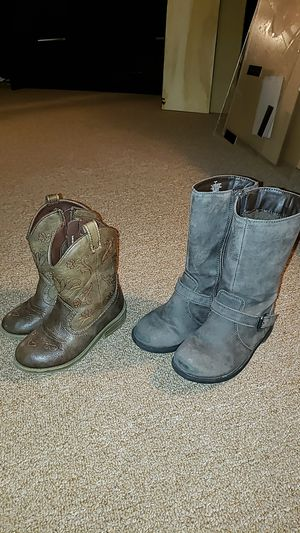 Girl's boots for Sale in Stickney, IL