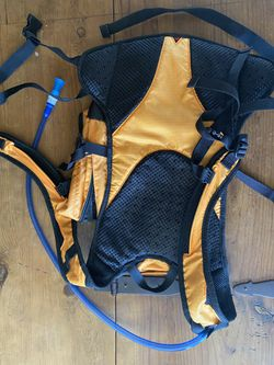 coleman max Hydratation backpack for Sale in Phoenix,  AZ