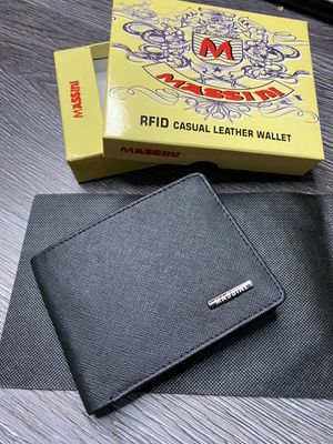 Cowhide Real Leather RFID Men's Wallet Bi Fold for Sale in Las Vegas, NV