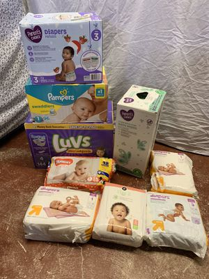 Diapers and Wipes - SELLING AS A LOT - Size 1-5 Diapers - Read Description for Details - OVER 550 Diapers and 800 Wipes for Sale in Lauderdale Lakes, FL