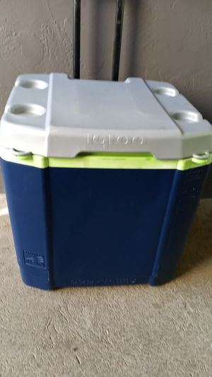 60 QUART IGLOO COOL TECHNOLGY COOLER for Sale in San Diego, CA